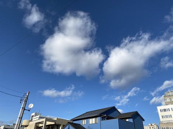 ミッキーマウスと金魚の雲